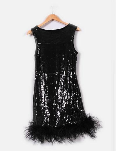 Vestido negro plumas zara