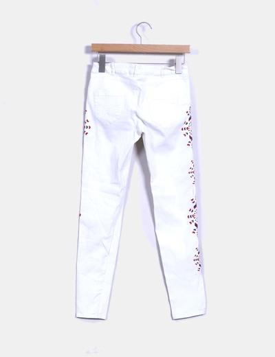 Jeans denim blanco laterales bordados