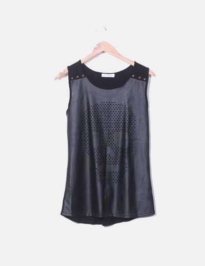 Camiseta combinada negra con troquelado