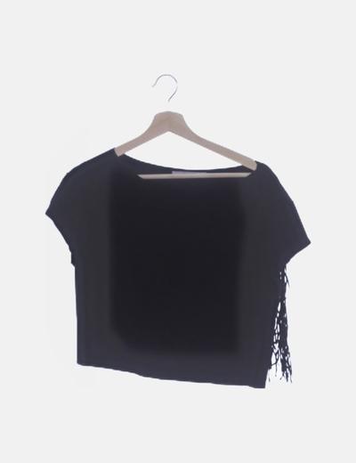 Camiseta antelina negra con flecos