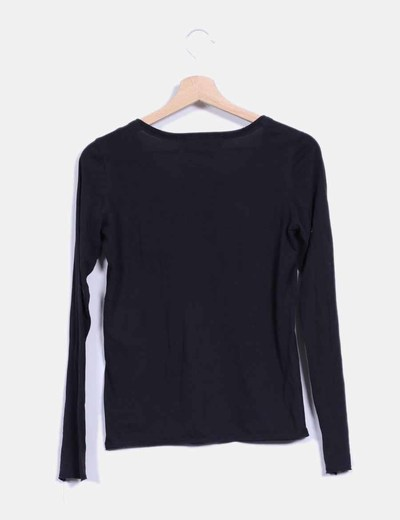 Camiseta negra de manga larga