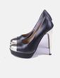 Zapato negro maxi tacón detalles dorados Clowse