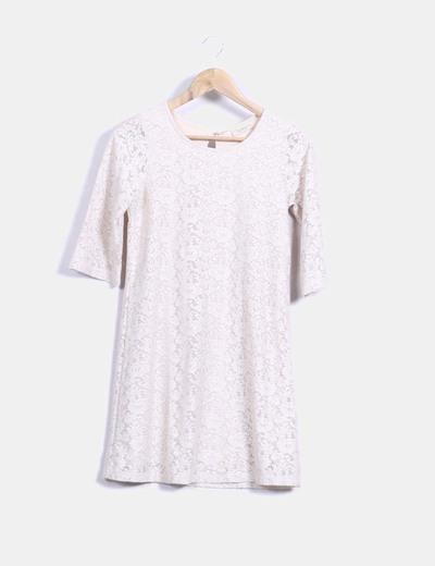 vestido beige de encaje  Pull&Bear