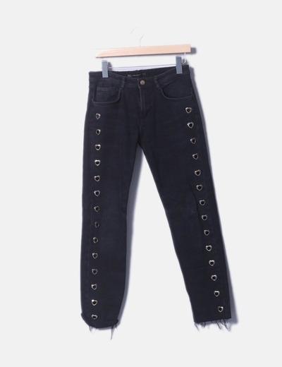 Jeans denim mon fit negro con corazones