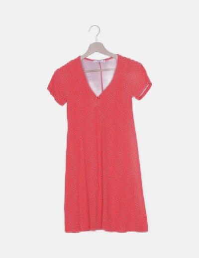 Vestido fluido rojo con topos