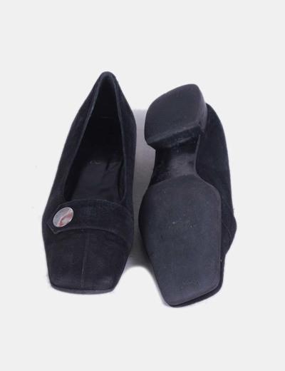 Zapato negro punta cuadrada