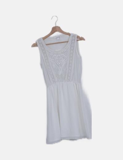 Vestido blanco escote crochet