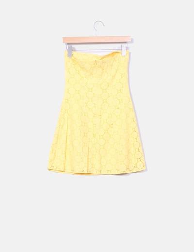 Vestido palabra de honor guipur amarillo