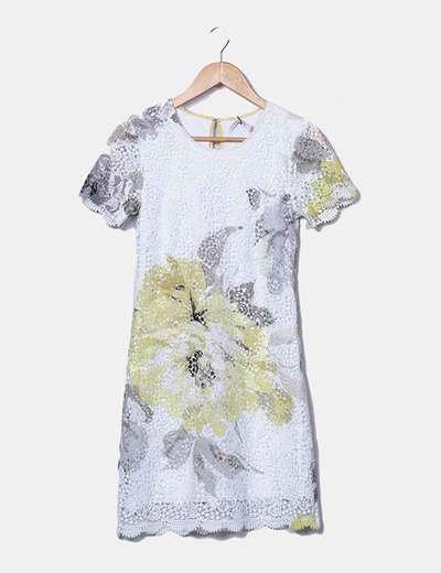 Vestido de encaje floral