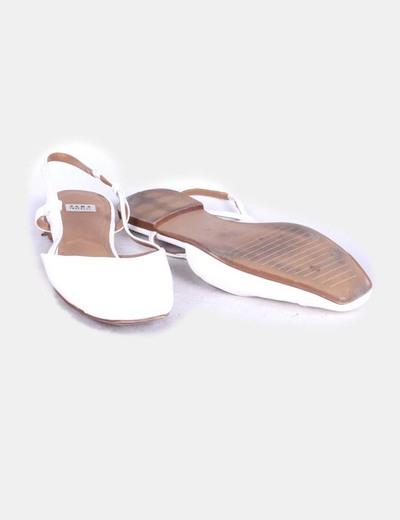 Zapato plano destalonado blanco acharolado