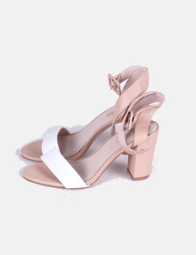 Sandalias nude tira blanca Zara