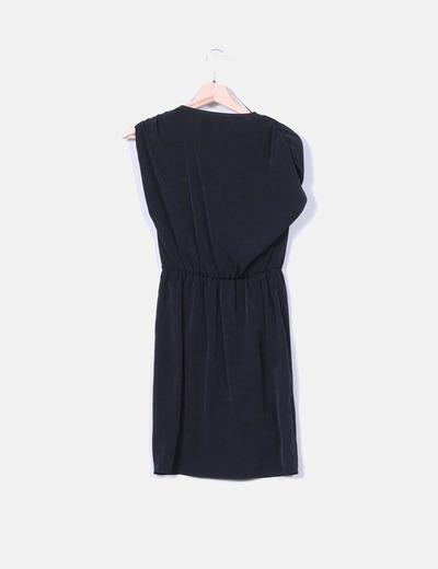 Vestido negro fluido cruzado
