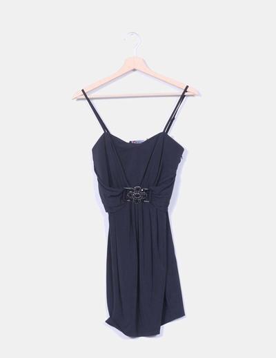 Vestido negro detalle broche flor Morgan