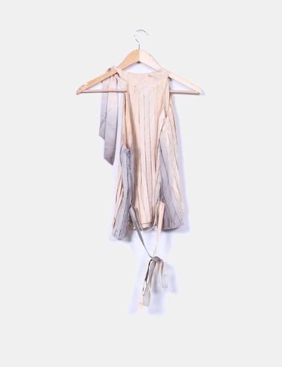 Blusa de seda con tablas