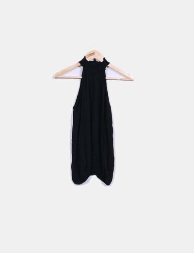 Blusa negra cuello halter Shana