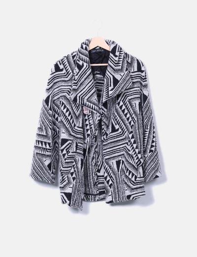 Abrigo estampado negro y gris Zara