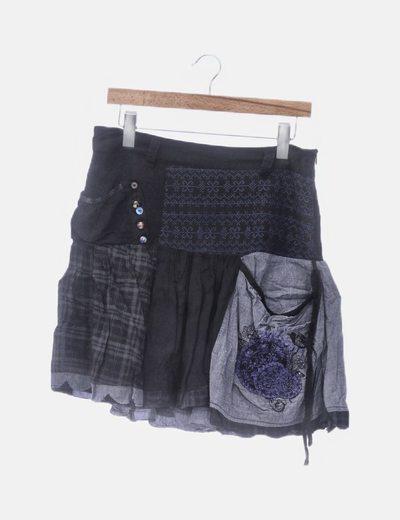 Falda estampada con bolsillos