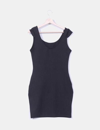 Vestido basico negro texturizado