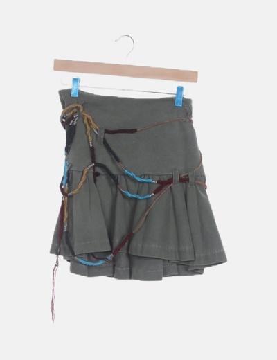 Mini falda verde cordones
