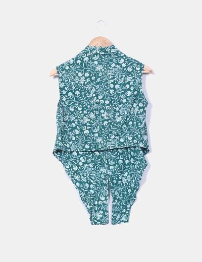 Blusa verde floreada