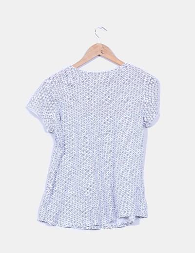 Camiseta blanca estada detalle tablas y crochet