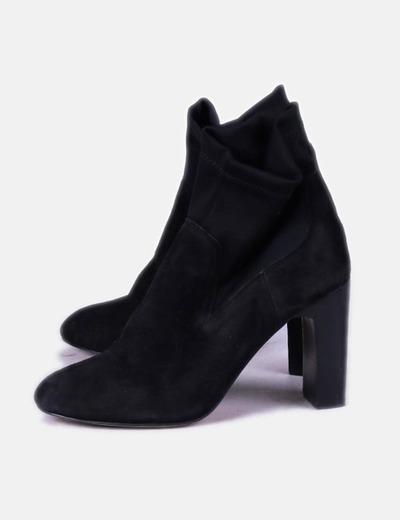Botín negro combinado Zara