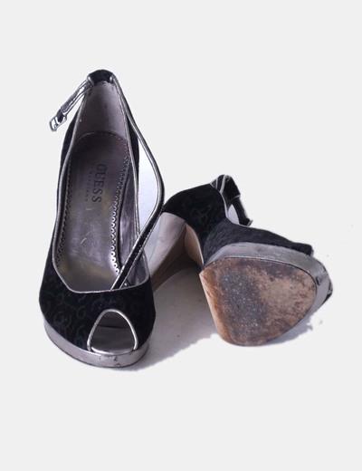Sandalia negra texturizada
