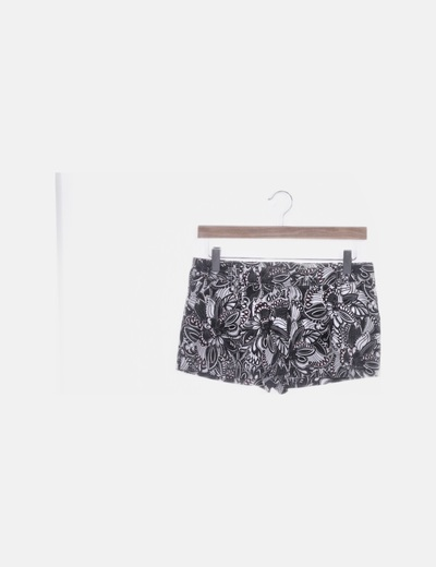 Short negro estampado