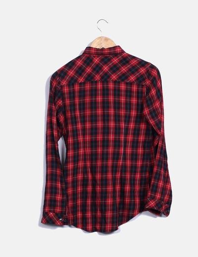 89242a16906e3 Stradivarius Camisa roja y negra de cuadros (descuento 71%) - Micolet