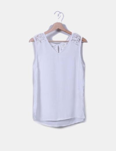 Blusa blanca combinada sin mangas Amichi