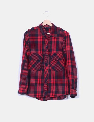 Camisa de cuadros rojos y negros Zara