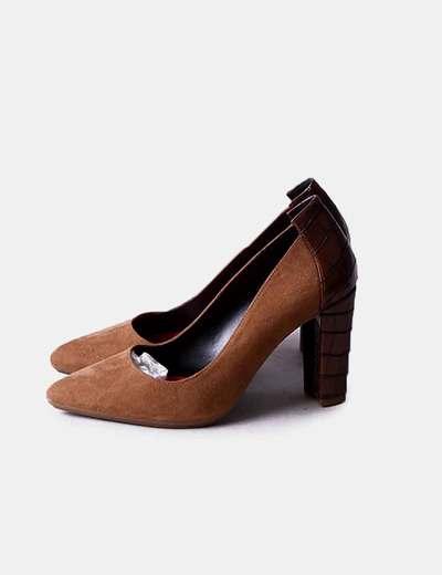 Zapatos tacón marrón texturizado