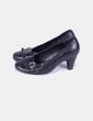 Zapato negro detalle botón  María Jaén