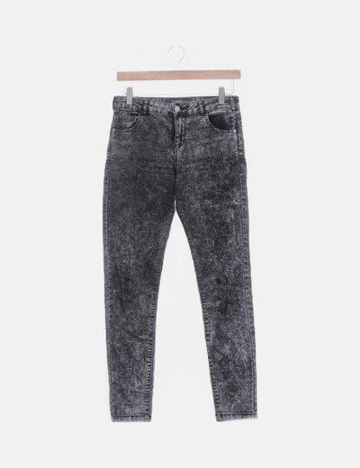 Jeans denim gris desgastado