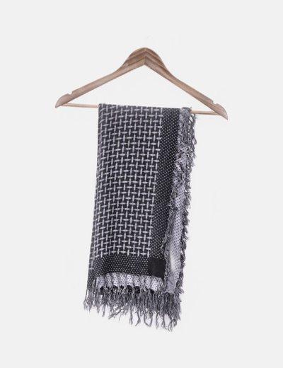 Foulard negro y gris con flecos