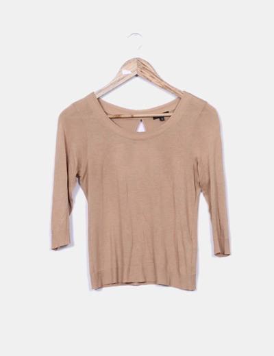 Camiseta de manga larga marrón claro con círculo abierto espalda Massimo Dutti
