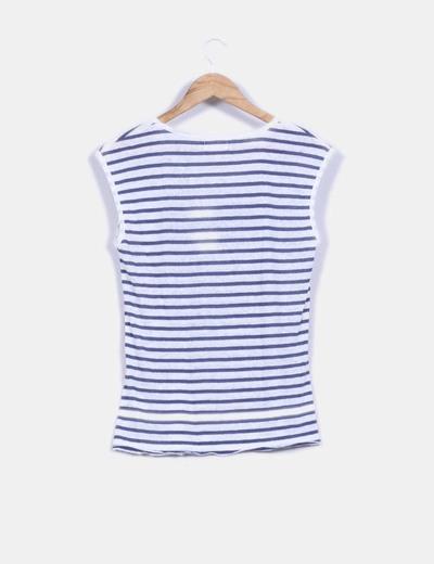 Camiseta texturizada rayas marineras y estampado letras central