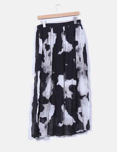 Falda estampada negra y blanca