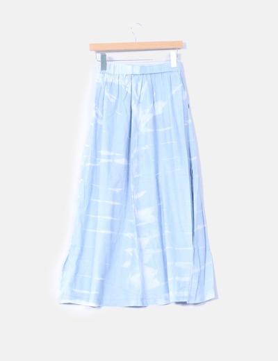 Maxi falda azul y blanca con botones