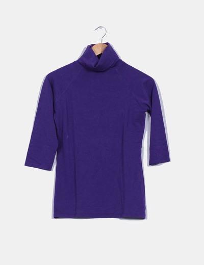 Camiseta morada Zara