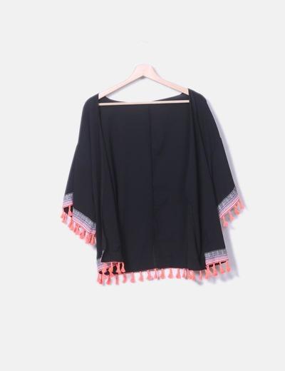 Kimono negro flecos flúor