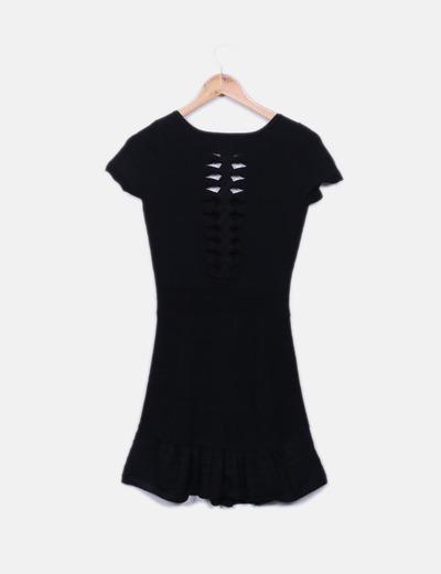 Vestido negro nudos espalda