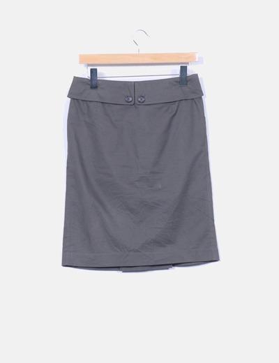 Falda kaki con cinturon