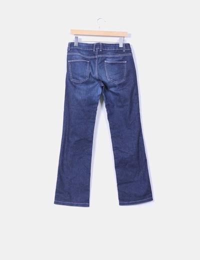Jeans oscuro de pata recta