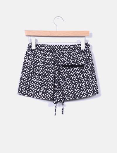 Shorts blanco y negro