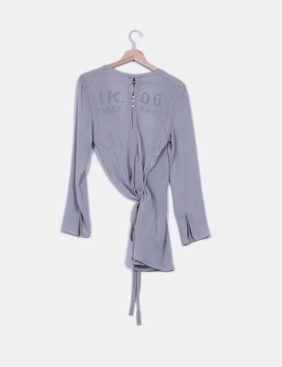 Blusa larga cruzada semitransparente