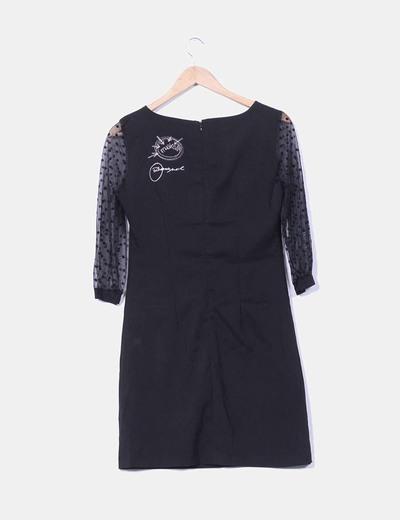 Vestido negro mangas semitransparentes