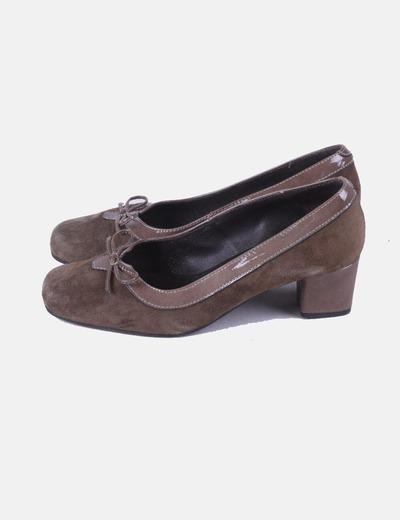 Zapato antelina marrón