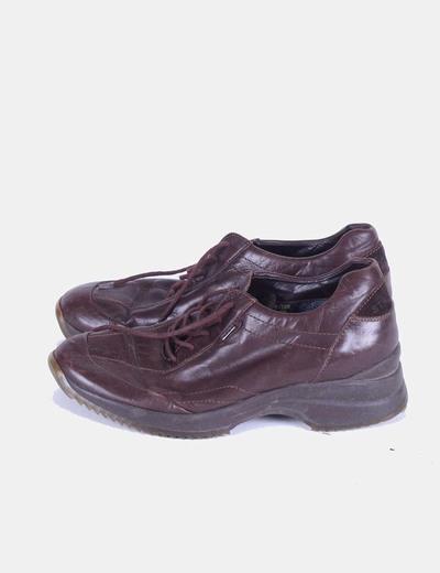 Zapato marrón con cordones Stonefly