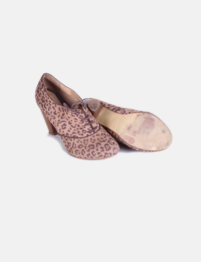 Zapato abotinado aniaml print con cordones